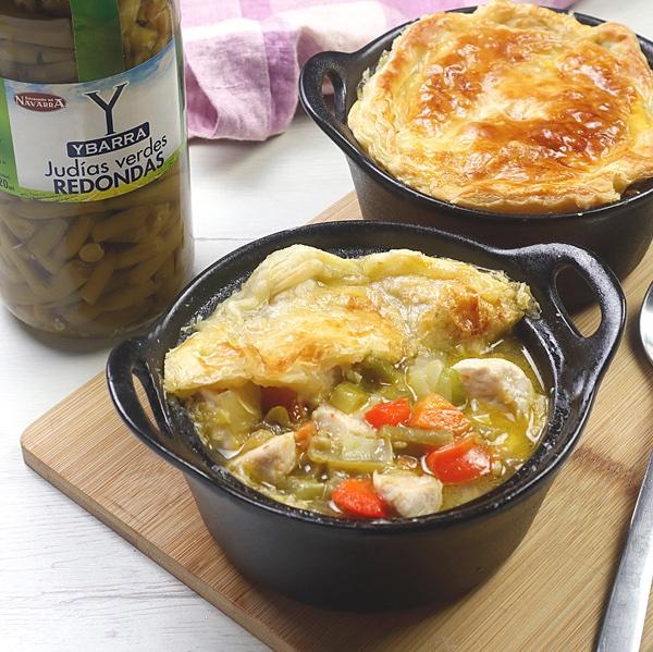 receta de cazuela-pollo-hojaldre y judias-verdes hecha con el Tarro de Judías Verdes Redondas Ybarra
