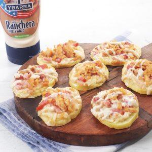 receta de mini-pizzas-patata-bacon-queso-pollo-salsa hecha con el Bote de salsa Ranchera Hollywood Ybarra 250ml